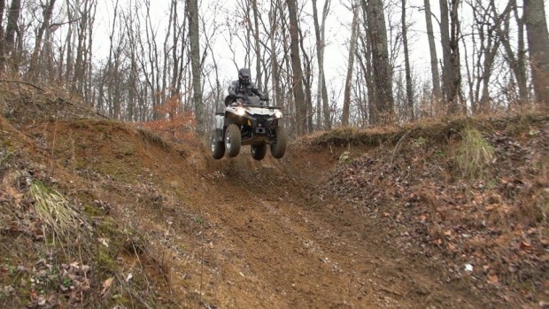2015_can-am_outlander_l_500_test_drop_off_1
