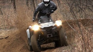 2015_can-am_outlander_l_500_test_tight_turn