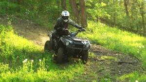 2015-kawasaki_brute_force_300_test_downhill_turn