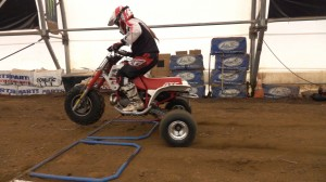 hi-run_turf_saver_tire_test_holeshot